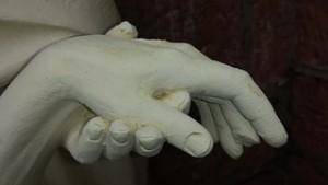 Serve-hand-447040__180