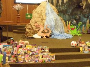 VBS16 Sanctuary OpChristmasChild _Picture56