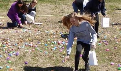 PUMC and Neighbors Hunt Easter Eggs! (3/31/18)